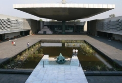 Courtyard-National-Museum-of-Anthropology-Mexico-City